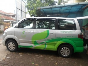 Cutting Sticker Mobil Avanza