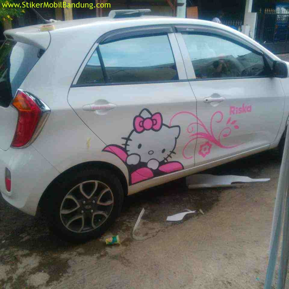 stiker-mobil-hello-kitty3