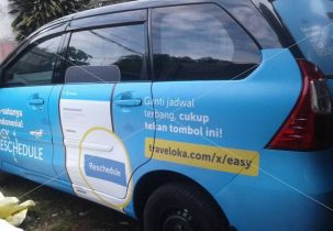 Stiker branding full body traveloka