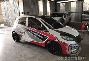 Stripping Racing Rajawali Mobil Honda